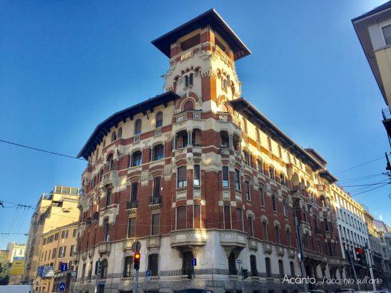 Casa Venegoni, all'angolo tra via Vettabbia e via Cosimo del Fante